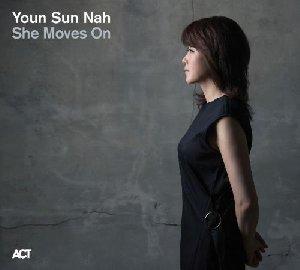 She moves on / Youn-Sun Nah, voix | Nah, Youn-Sun. Chanteur
