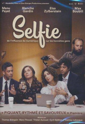 Selfie / Thomas Bidegain, réalisateur | Bidegain, Thomas (....-....). Metteur en scène ou réalisateur